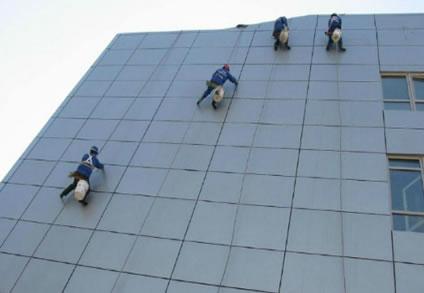 玻璃幕墙清洗